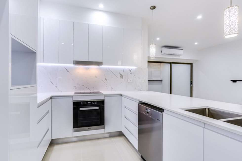 Second view of Homely unit listing, 2/26 Winchester Street, Hamilton QLD 4007