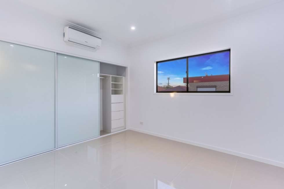Third view of Homely unit listing, 2/26 Winchester Street, Hamilton QLD 4007