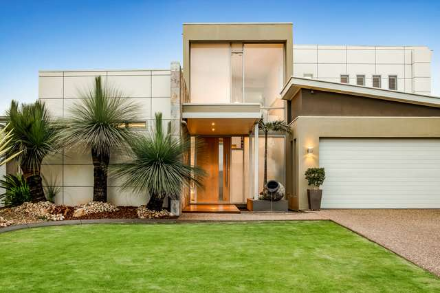 4 Daniells Close, Middle Ridge QLD 4350