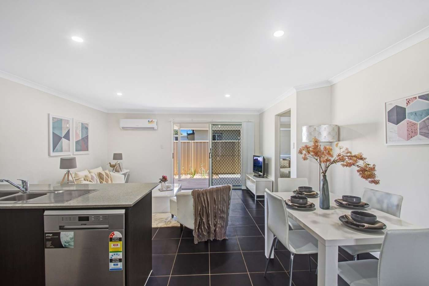 Main view of Homely unit listing, 2/8 Glenvale Road, Harristown QLD 4350