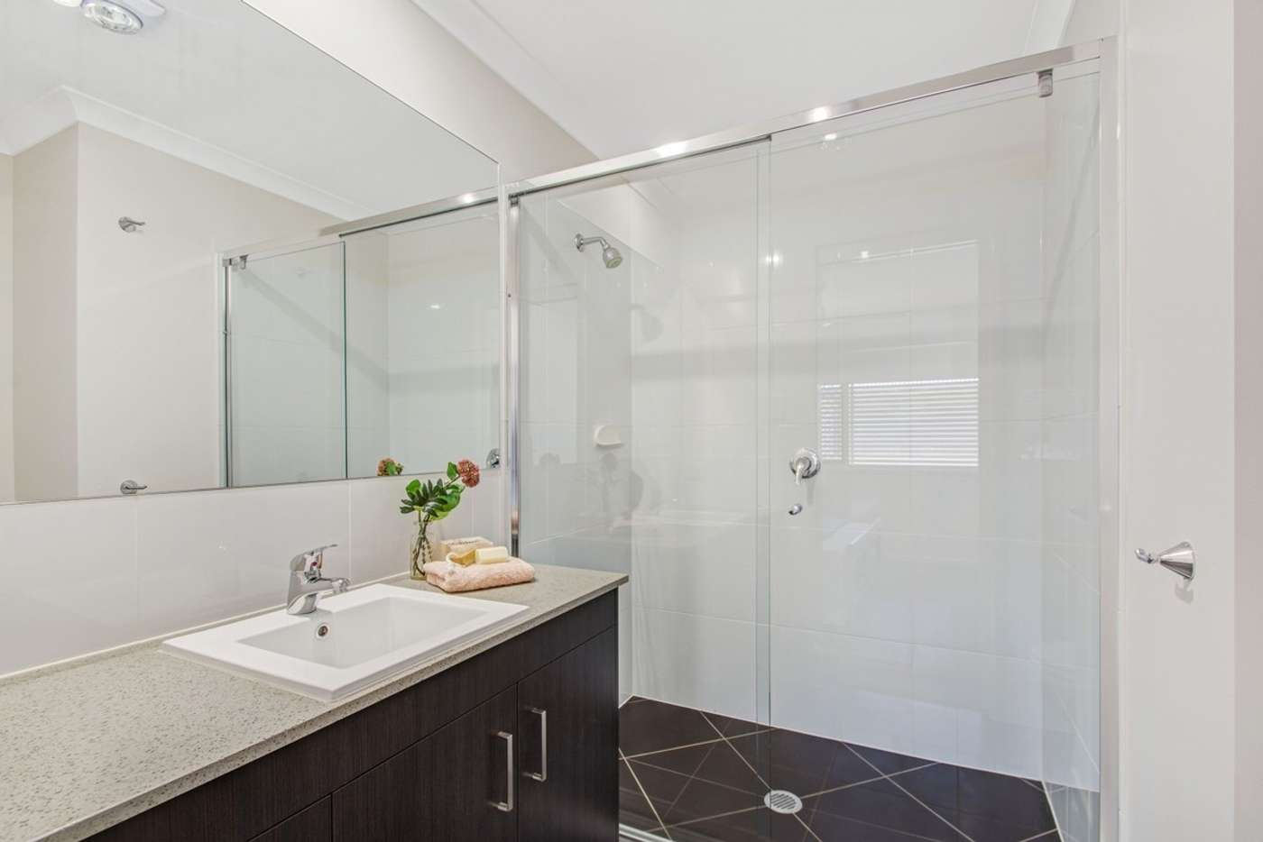 Sixth view of Homely unit listing, 2/8 Glenvale Road, Harristown QLD 4350