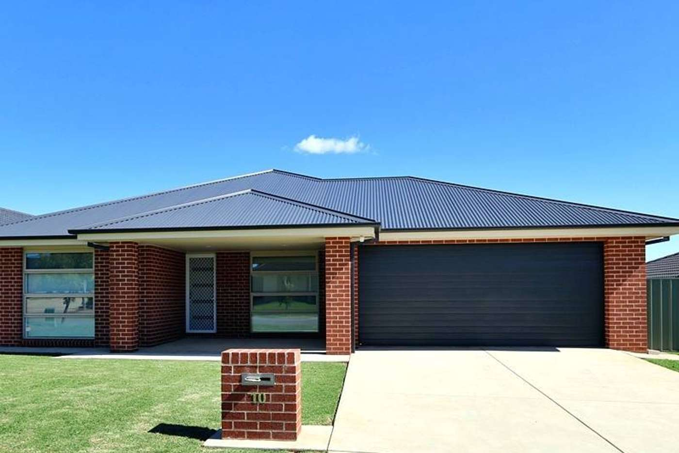 Main view of Homely unit listing, 10 Protea Place, Forest Hill NSW 2651