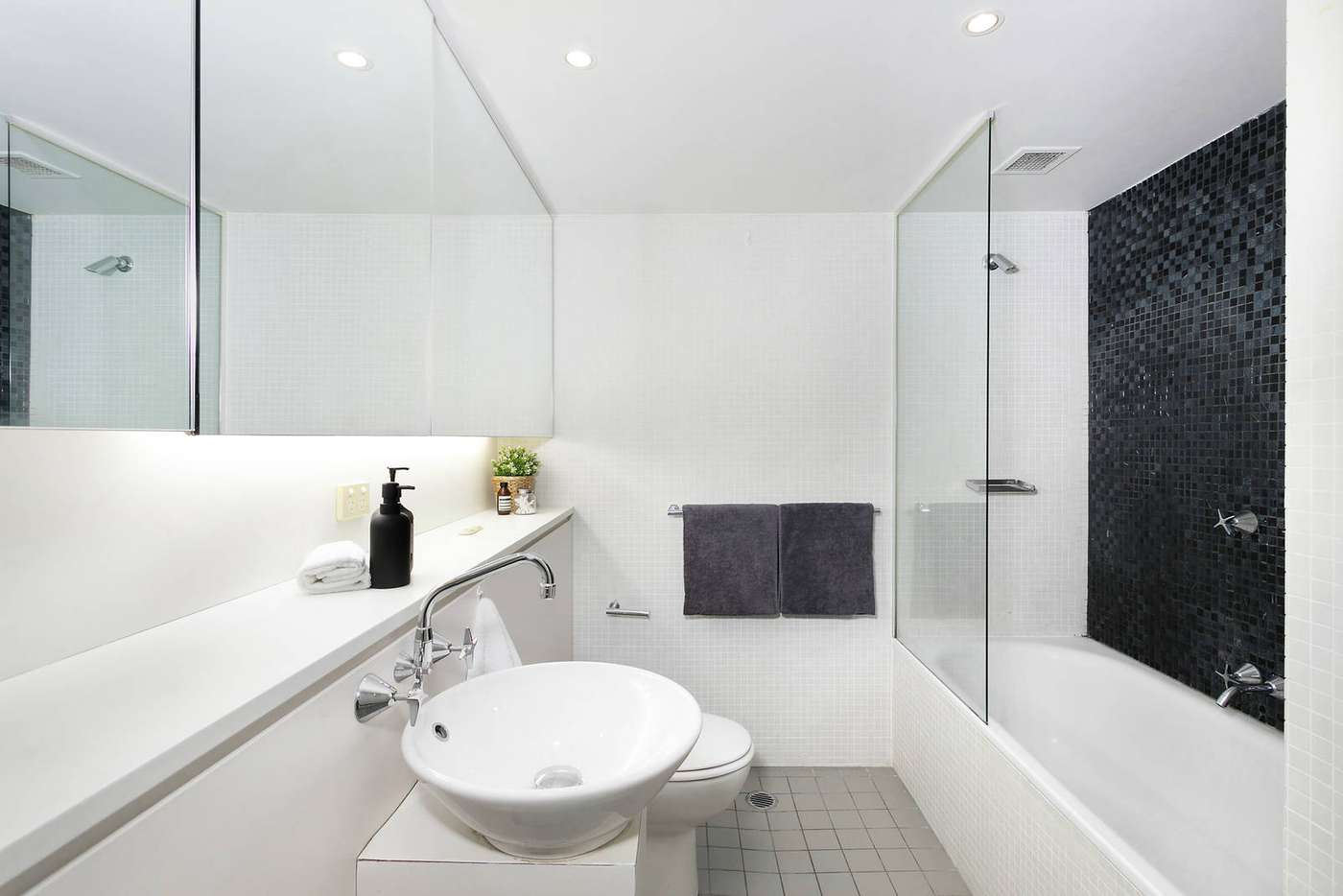 Fifth view of Homely apartment listing, 403/23 Shelley Street, Sydney NSW 2000