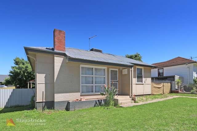 4 Mount Austin Avenue, Mount Austin NSW 2650