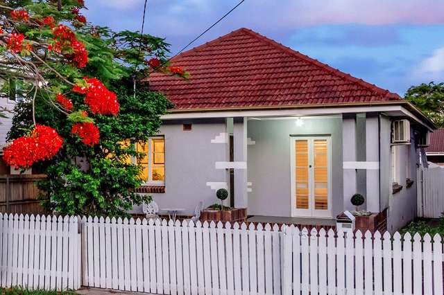 55 Hilltop Avenue, Chermside QLD 4032