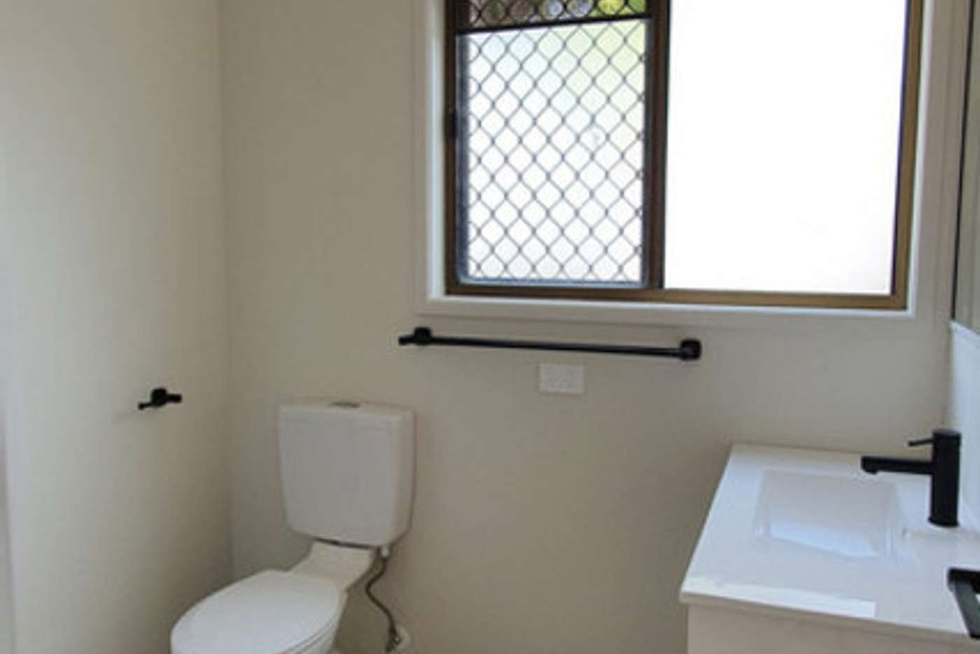 Sixth view of Homely unit listing, 1/7 Ferny Avenue, Avoca QLD 4670