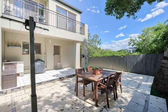 2/20 Keith Street, St Lucia QLD 4067