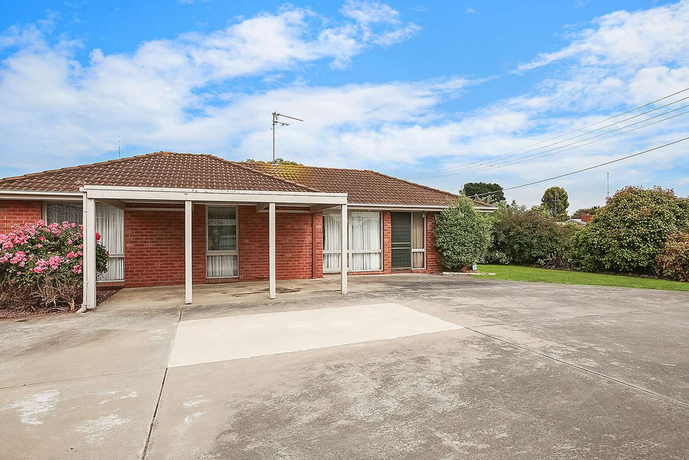 Main view of Homely unit listing, 1/11 Dean Court, Elliminyt VIC 3250