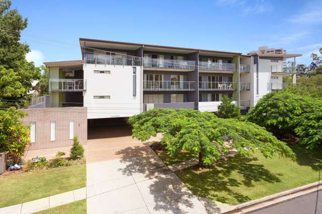 15/221 Sir Fred Schonell Drive, St Lucia QLD 4067