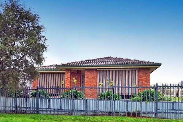 120 Raye Street, Tolland NSW 2650
