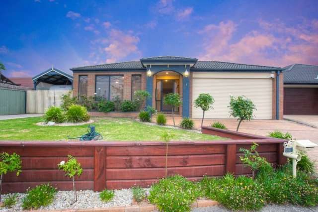 4 Foxwood Drive, Cranbourne East VIC 3977