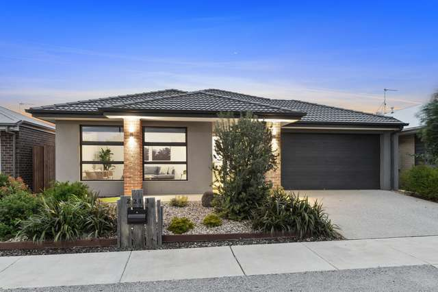 2243 Warralily Boulevard, Armstrong Creek VIC 3217
