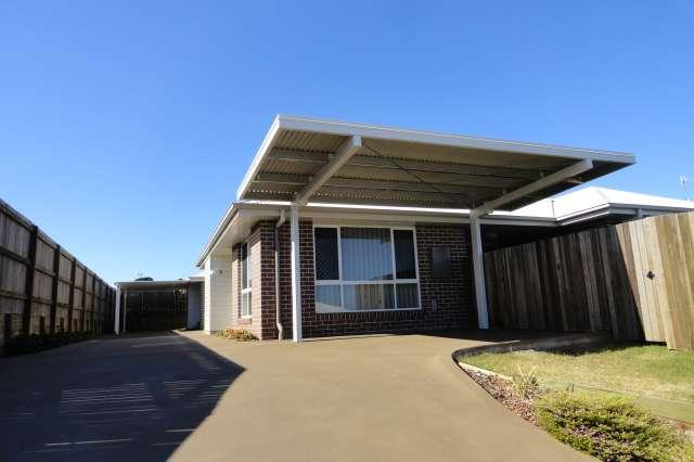 1/12 Tempest Drive, Glenvale QLD 4350