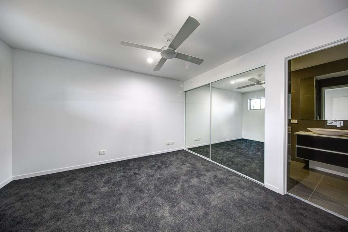 Sixth view of Homely unit listing, 1/12 Selborne Street, Mount Gravatt East QLD 4122