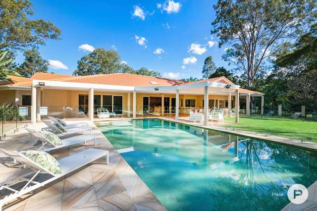 2 Sunset Road, Kenmore QLD 4069