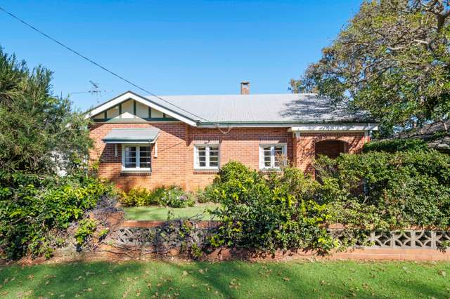 28 Alford Street, Mount Lofty QLD 4350