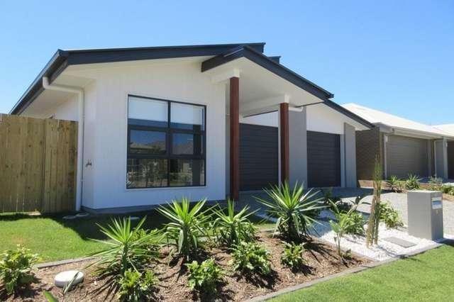 2/58 Milbrook Crescent, Pimpama QLD 4209