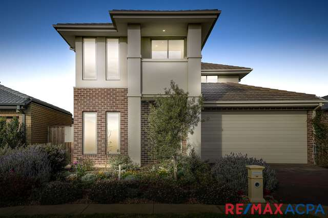 32 Roundhay Crescent, Point Cook VIC 3030