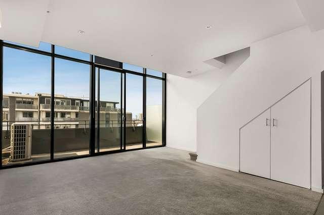 910/57 Bay Street, Port Melbourne VIC 3207