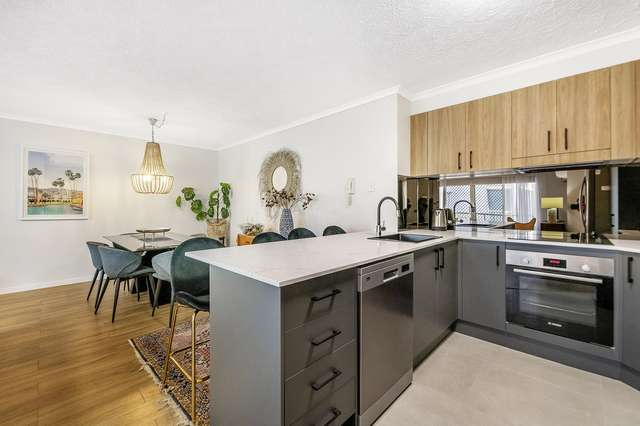9/32 Second Avenue, Broadbeach QLD 4218