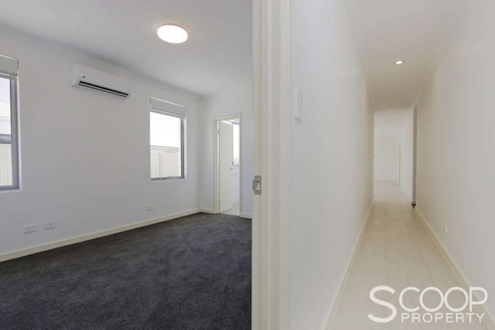 Second view of Homely house listing, 19 Laurina Way, Beeliar WA 6164