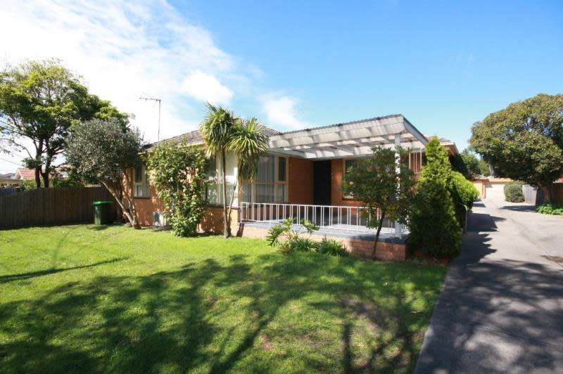 Main view of Homely unit listing, 1/40 Neville Street, Carnegie, VIC 3163