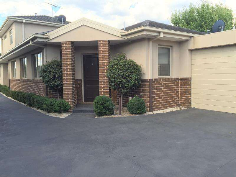 Main view of Homely unit listing, 2/25 Coorigil Road, Carnegie, VIC 3163