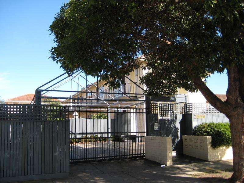 Main view of Homely apartment listing, 12/2 Rosedale Avenue, Glen Huntly, VIC 3163