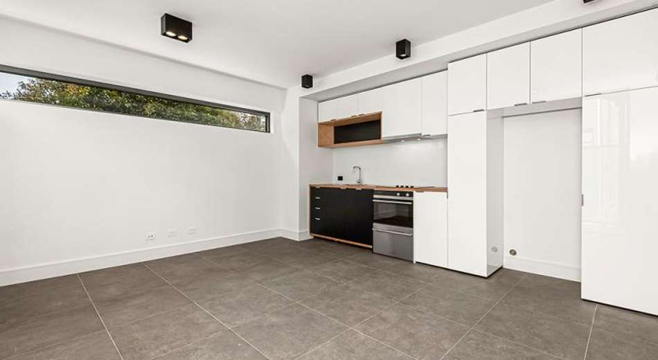 2/8B Armstrong Street, Middle Park VIC 3206