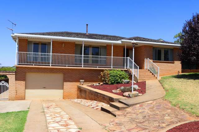 134 WOMBAT STREET, Young NSW 2594