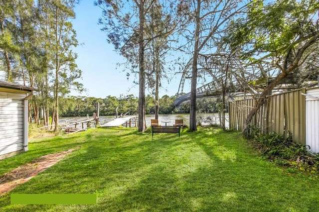 542 Henry Lawson Drive, East Hills NSW 2213