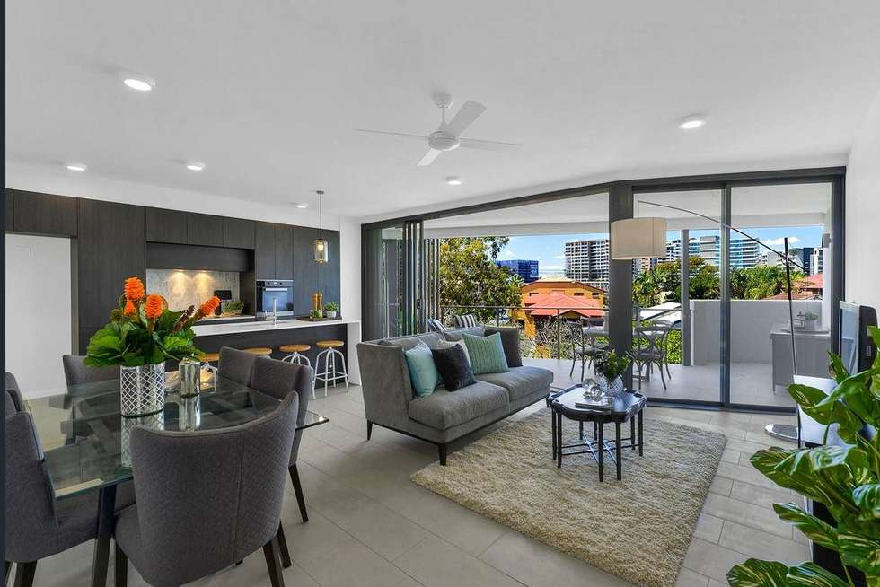 Third view of Homely apartment listing, 2/61 Kent Street, Hamilton QLD 4007