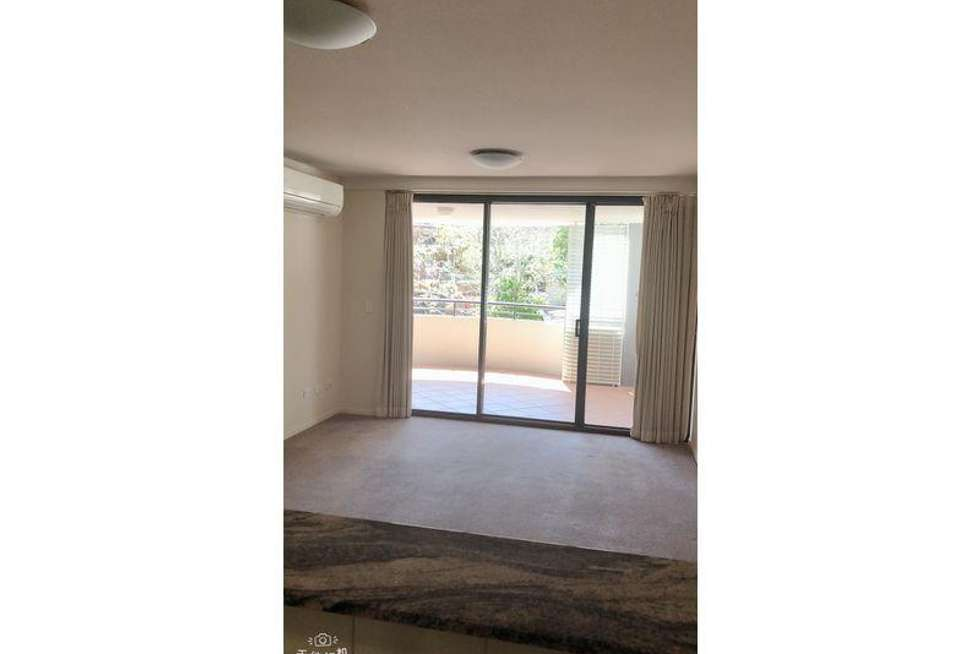 Fourth view of Homely apartment listing, 5 Chasely Street, Auchenflower QLD 4066