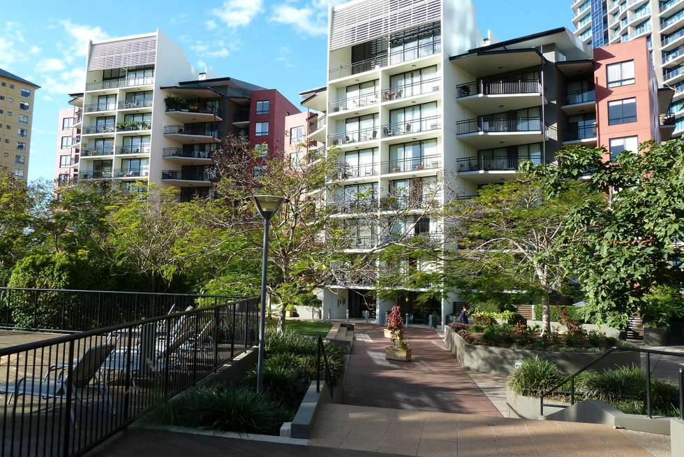 Third view of Homely apartment listing, 15 Goodwin Street, Kangaroo Point QLD 4169