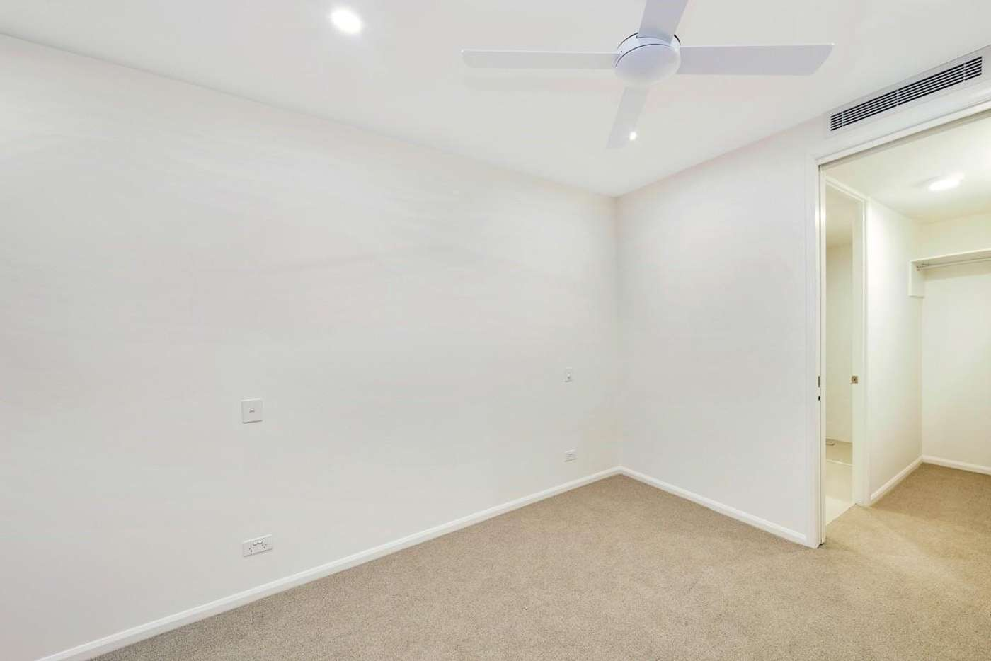 Sixth view of Homely apartment listing, 2/61 Kent Street, Hamilton QLD 4007