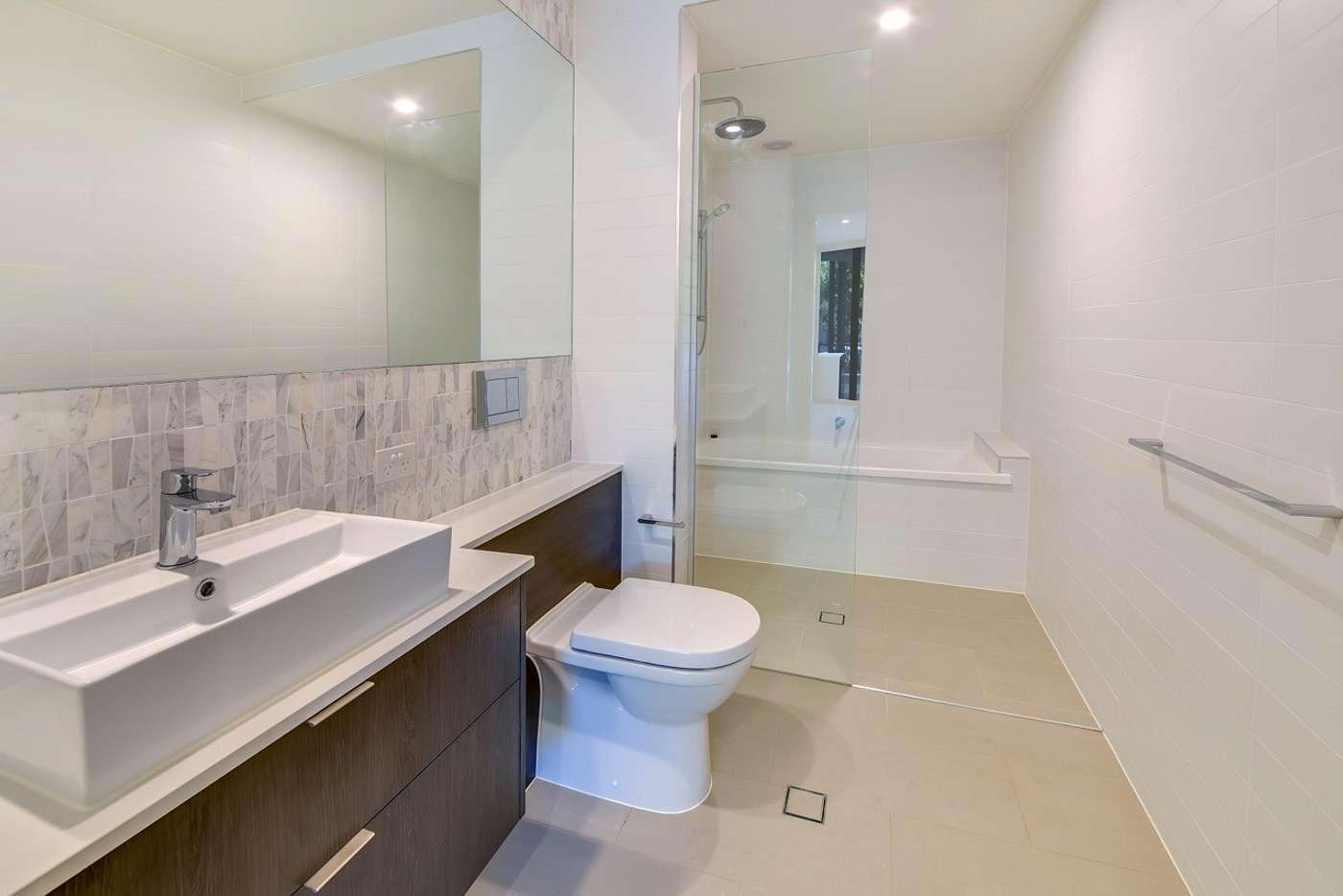 Seventh view of Homely apartment listing, 2/61 Kent Street, Hamilton QLD 4007