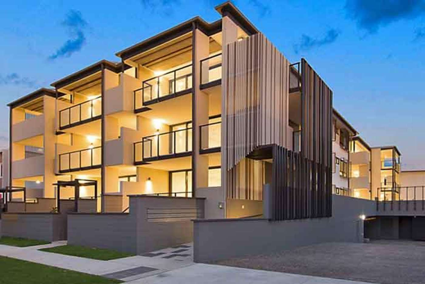 Main view of Homely apartment listing, 2/61 Kent Street, Hamilton QLD 4007