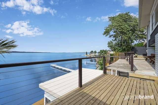 35 Viewpoint Drive, Toukley NSW 2263