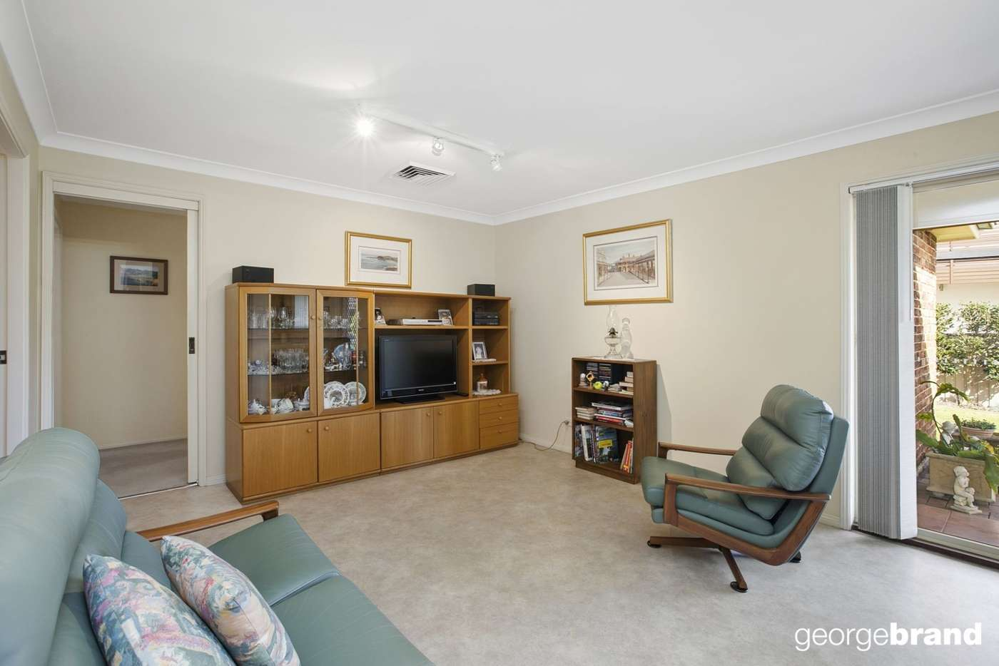 Sixth view of Homely house listing, 2 Seabreeze Avenue, Kincumber NSW 2251