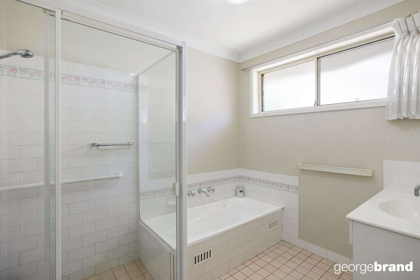 Fifth view of Homely house listing, 2/31 Brushwood Avenue, Kincumber NSW 2251
