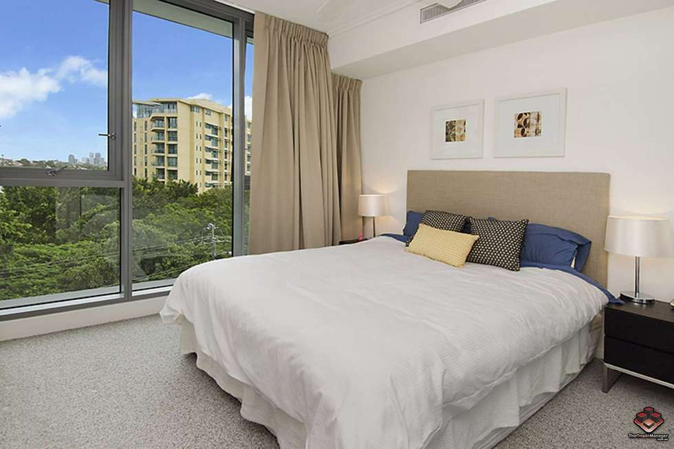 Second view of Homely apartment listing, ID:3907230/ 2 Harbour, Hamilton QLD 4007