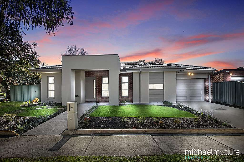 Main view of Homely townhouse listing, 1A Washington Drive, Frankston, VIC 3199
