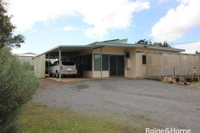 6 Flinders Avenue, Coffin Bay SA 5607