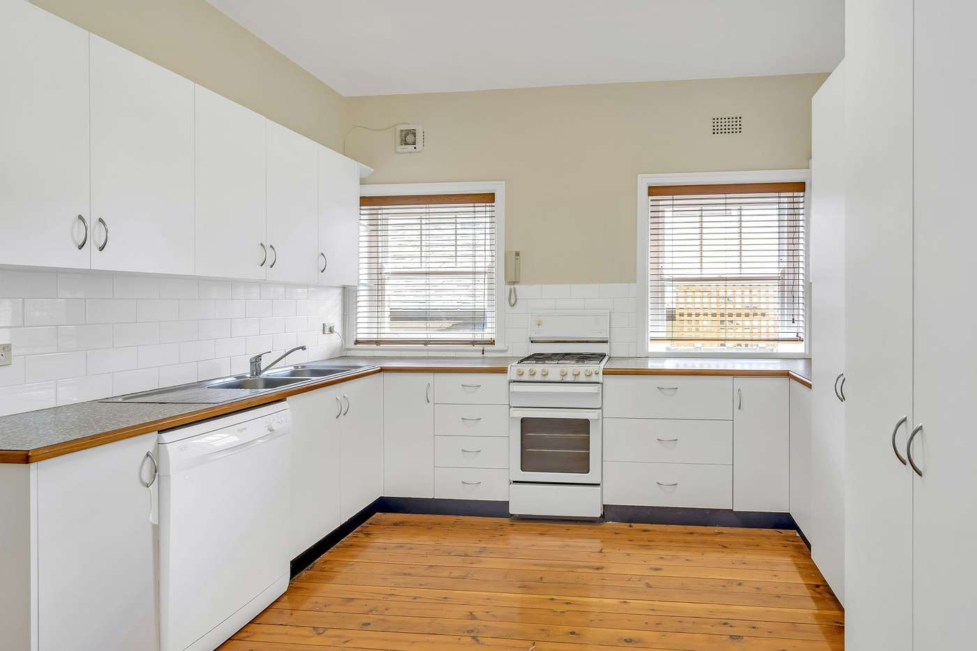 Main view of Homely apartment listing, 2/2a Telopea Street, Wollstonecraft, NSW 2065