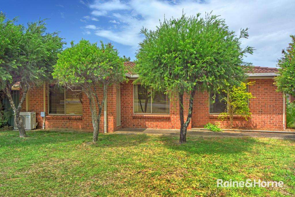 Main view of Homely unit listing, 4/4 Brodie Close, Bomaderry, NSW 2541