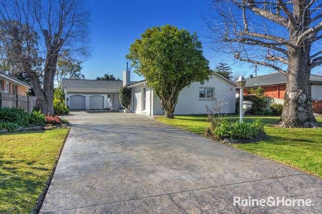 13 Lyrebird Drive, Nowra NSW 2541