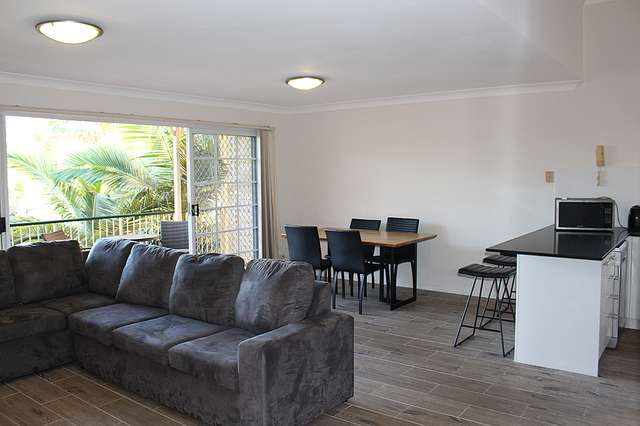 3/11 Sir Fred Schonell Drive, St Lucia QLD 4067