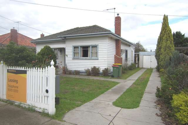 33 Fisher Street, Maidstone VIC 3012