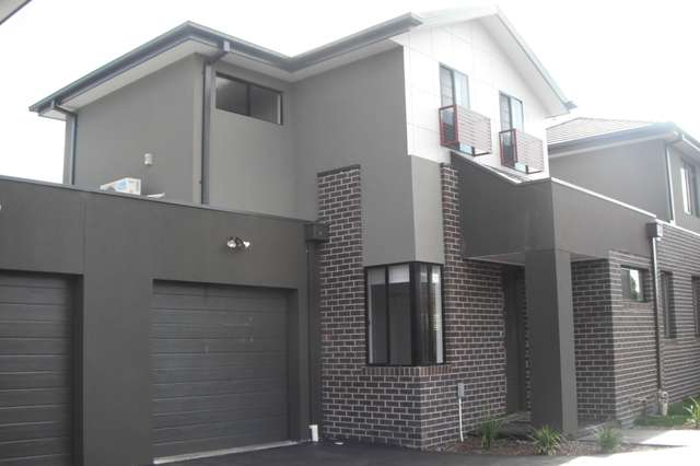 2/43 Watt St, Oak Park VIC 3046