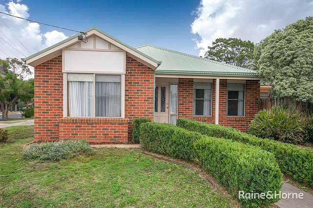 1/61 Charter Road West